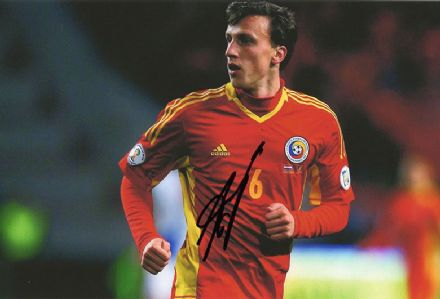 Vlad Chiriches, Tottenham Hotspur & Romania, signed 12x8 inch photo.